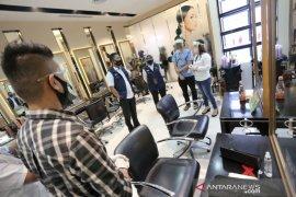 Alasan Pemkot Bandung belum izinkan salon kecantikan gelar praktik perawatan