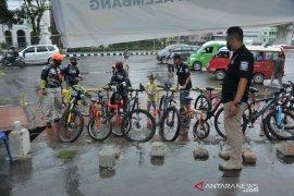 Rest area bagi pesepeda akhir pekan di Palembang Page 4 Small