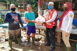 Indonesian Red Cross assists flood victims in South Jakarta