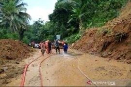 Satu orang meninggal akibat bencana longsor di Kabupaten Tasikmalaya
