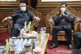 Pjs Bupati-DPRD Badung bahas APBD 2021