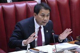 DPR: Pilkada tetap dilaksanakan untuk menjamin hak konstitusional