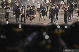 Polisi: 10 perusuh pada demo terinfeksi COVID-19