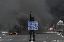 "Rossdinal Salim menyebut omnibus law menebas ""para rente"" Amdal"