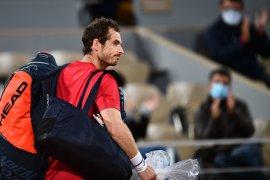 Juara Olimpiade dua kali Andy Murray langsung terlempar pada babak pertama di Cologne