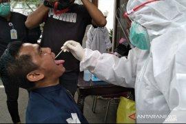 Tekan klaster perkantoran, Pemkot Bogor gencarkan tes usap COVID-19