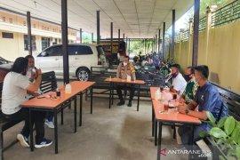 Kapolres Madina ajak wartawan edukasi bahaya COVID-19