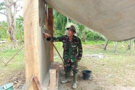 Tugu Prasasti pembuktian kemanunggalan TNI dan Rakyat di Pulau Hanaut