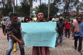 Petugas kebersihan di Aceh Utara berunjuk rasa, ini tuntutannya