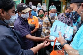 Tekan COVID-19, Satgas BUMN sebarkan 45.000 masker ke pasar hingga halte