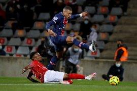Dua gol Mbappe antar PSG kalahkan Nimes 4-0
