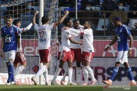 Pecundangi Strasbourg 3-2, Lyon akhiri catatan buruk