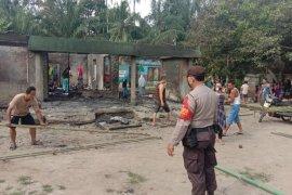 Rumah dan sekolah PAUD di Simalungun terbakar