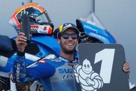 Pebalap Suzuki Alex Rins tahan gempuran Marquez untuk juarai GP Aragon