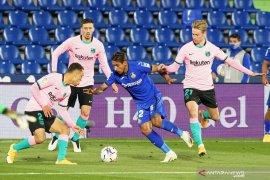 Barcelona negosiasi perpanjangan kontrak Lenglet dan De Jong
