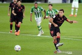 Liga Spanyol - Sociedad gasak Betis 3-0,  rebut posisi puncak klasemen