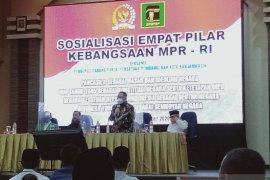 Anggota MPR RI Syaifullah Tamliha sosialisasi empat pilar kebangsaan di Banjarmasin