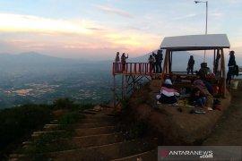Pemkab Garut siap bangun fasilitas wisata kawasan Puncak Gunung Putri