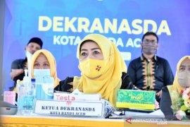 Ketua Dekranasda Nurmiati apresiasi desainer milenial Aceh