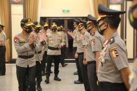 Kapolri pimpin upacara kenaikan pangkat 25 perwira Polri, siapa saja?