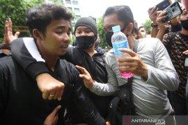 Polisi Amankan Remaja Saat Unjuk Rasa Di Banjarmasin