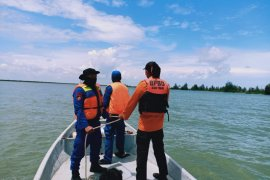Antisipasi masuk Rohingya, Satpolairud bersama TNI AL patroli diperairan