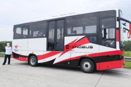 Inilah penampakan  prototipe bus listrik buatan PT INKA