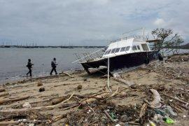 Sampah terdampar di Pantai Sanur