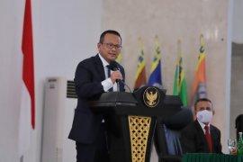 Menteri Edhy Prabowo lepas distribusi 24 ton pakan ikan ke Halmahera