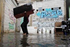 Beberapa perumahan di Bekasi terendam banjir hingga ketinggian 1,5 meter