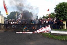 Polda : Satu tersangka unjuk rasa di Ternate wajib lapor