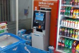 ATM dalam minimarket dibobol