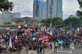 8.000 personel gabungan kawal demo tolak Omnibus Law di Patung Kuda