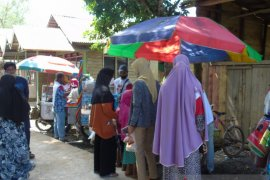 Puluhan pedagang keliling raup keuntungan di tengah kampaye