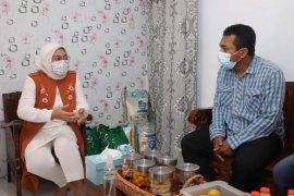 Menaker kunjungi pekerja penerima bantuan subsidi upah di Kota Malang