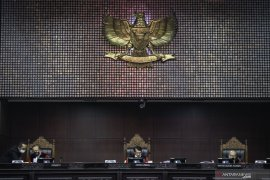 Advokat gugat revisi UU MK, ingin jadi hakim konstitusi
