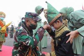 Pangdam IM ingatkan prajurit TNI bijak gunakan media sosial
