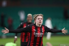 Liga Europa - Gelandang  Hauge sumringah setelah sumbang gol perdana untuk Milan