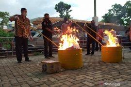 Kejari musnahkan barang bukti 579 perkara di Kabupaten Bandung