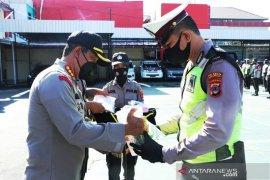 Kapolresta  serahkan APD kepada personel pengamanan pilkada