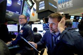 Wall Street menguat, perdagangan berombak saat pembicaraan stimulus fiskal AS