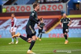 Liga Inggris - Patrick Bamford sumringah cetak trigol saat Leeds kalahkan Aston Villa