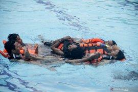 Simulasi Penyelamatan korban tenggelam