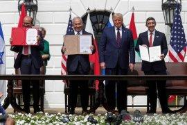 Para senator AS berusaha hentikan Trump jual senjata ke UAE