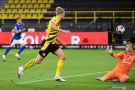Dortmund menangi Derby Lembah Ruhr setelah kalahkan Schalke 3-0
