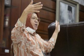 Wali Kota Risma beberkan suka duka bangun Surabaya selama 10 tahun