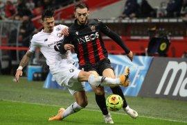 Ditahan imbang oleh Nice, Lille gagal menggeser PSG dari puncak klasemen