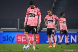 Juventus kembali gagal mengukir tiga poin setelah ditahan imbang tamunya Verona