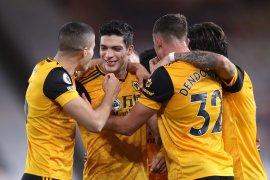 Murphy menyelamatkan Newcastle dari terkaman Wolves