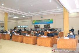 Anggota DPRD ikuti rapat paripurna